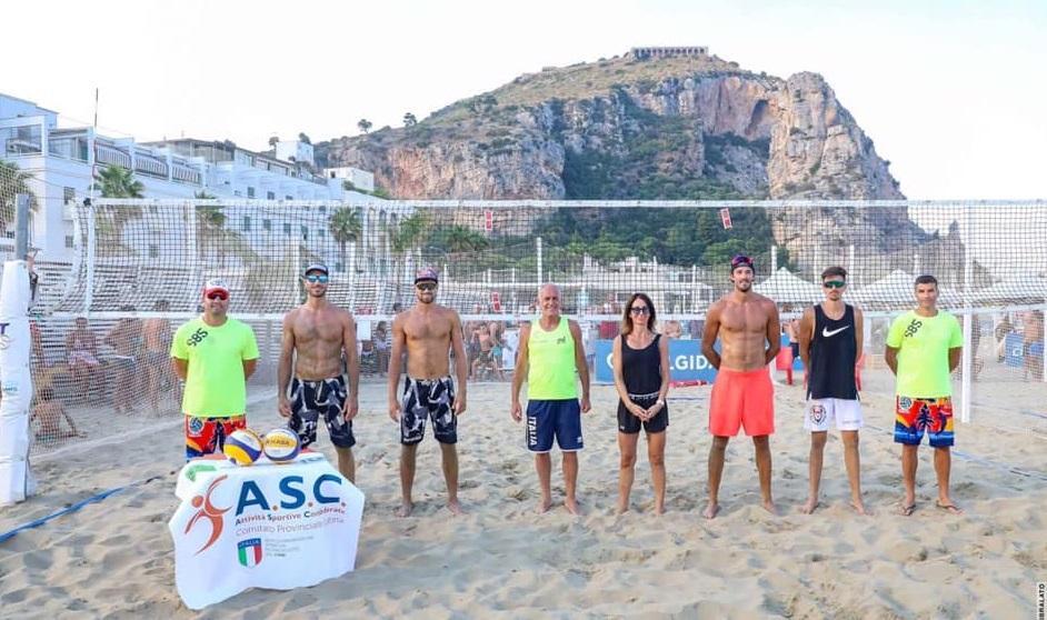 beach-volley-parata-di-stelle-alle-rive-di-traiano
