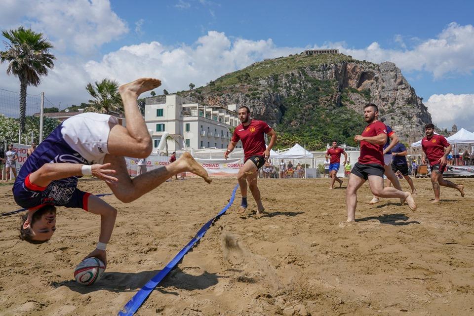 torna-a-terracina-lo-spettacolo-del-beach-rugby-con-il-trofeo-italiano-e-il-torneo-amatoriale