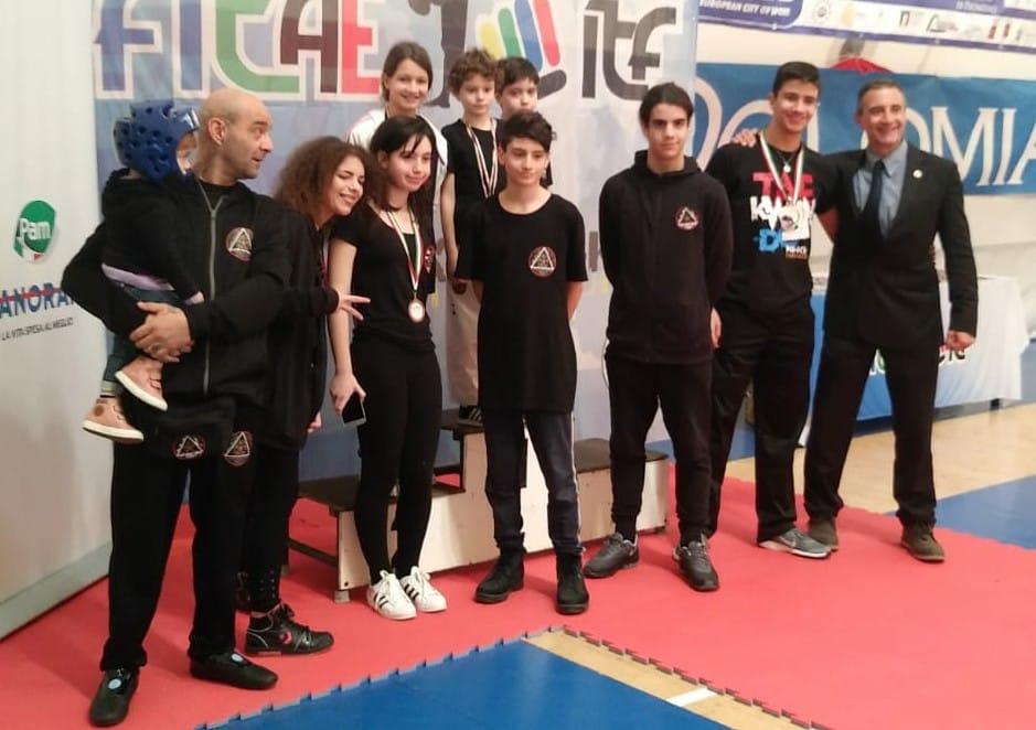taekwondo-palestra-massimo-caiazzo-super-nei-campionati-italiani-di-piombino
