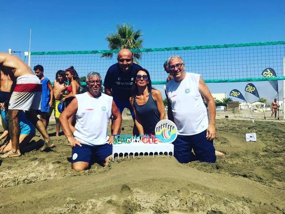 x-summer-2020-lo-spettacolo-delle-palline-da-spiaggia-infiamma-l-estate