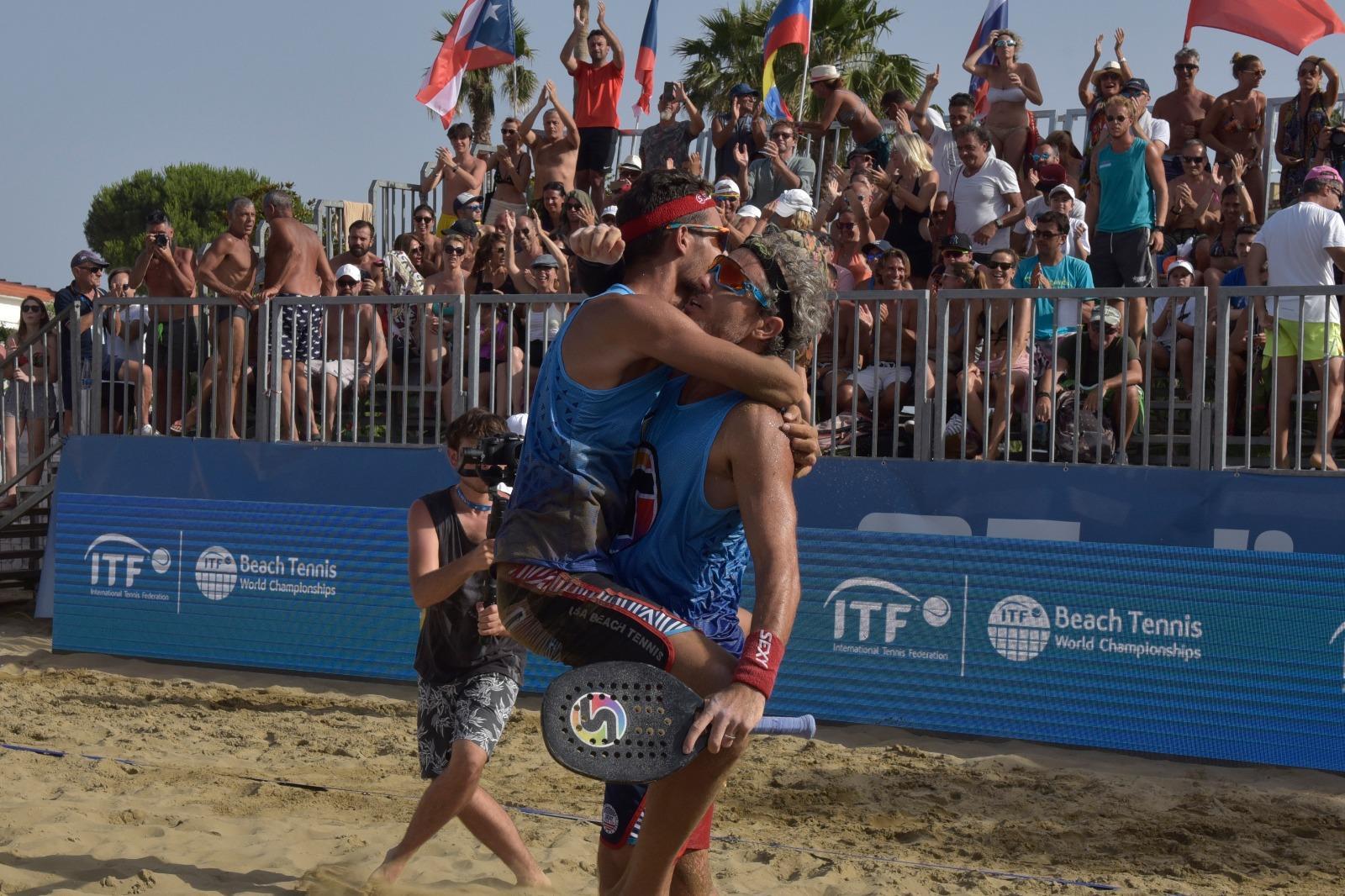beach-tennis-mondiali-calbucci-e-cappelletti-in-finale-domani-giornata-conclusiva-con-lo-show-di-monte-e-dj-kevs