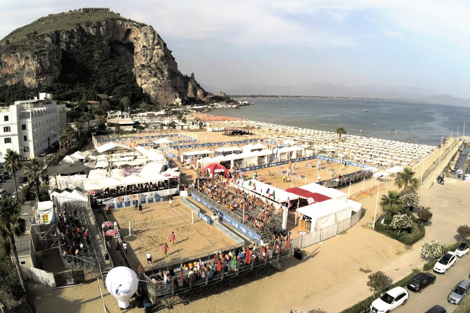 beach-tennis-footvolley-beach-hockey-e-tanto-altro-dal-21-al-23-agosto-terracina-diventa-la-capitale-degli-sport-da-spiaggia
