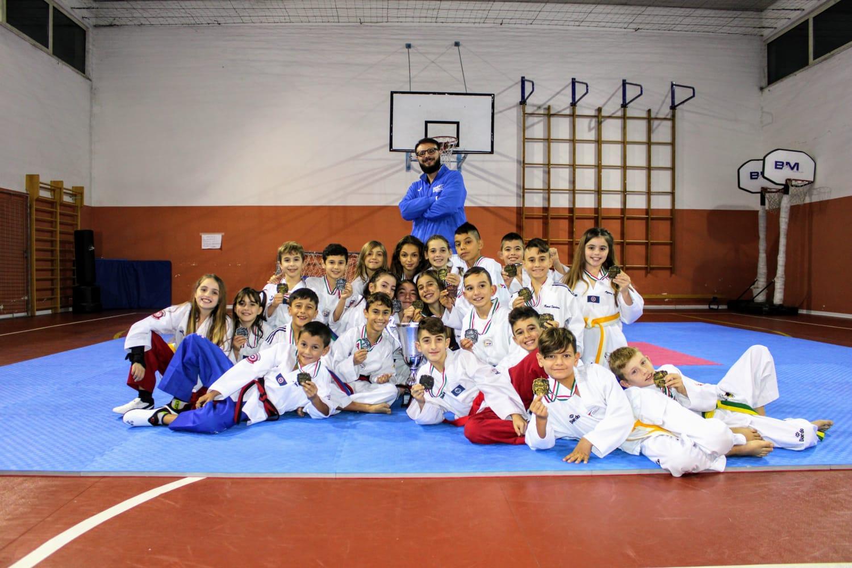 taekwondo-poker-abruzzese-per-la-fenice-di-longarini