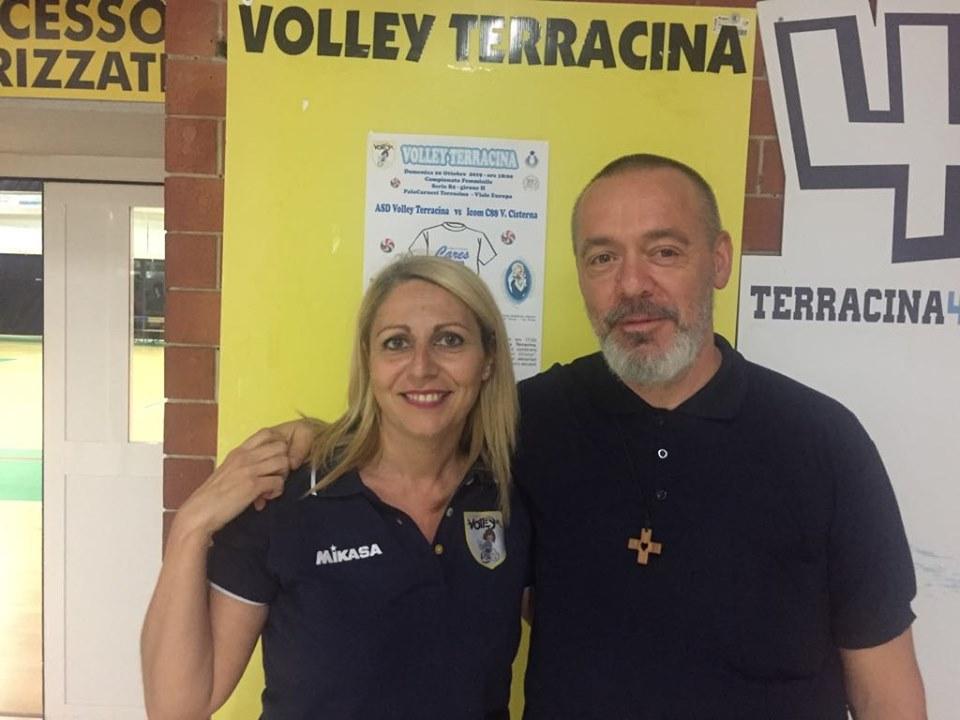 sport-e-solidarieta-volley-terracina-a-segno-con-cares